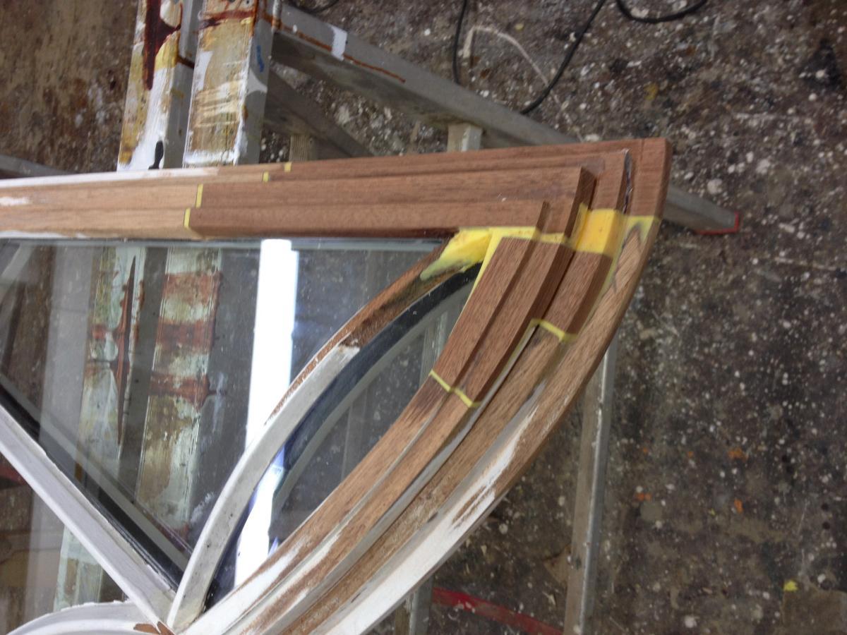 reparatur an einem halbkreisfenster aus holz mit gebogenen sprossen in hamburg wohldorf ohlstedt. Black Bedroom Furniture Sets. Home Design Ideas